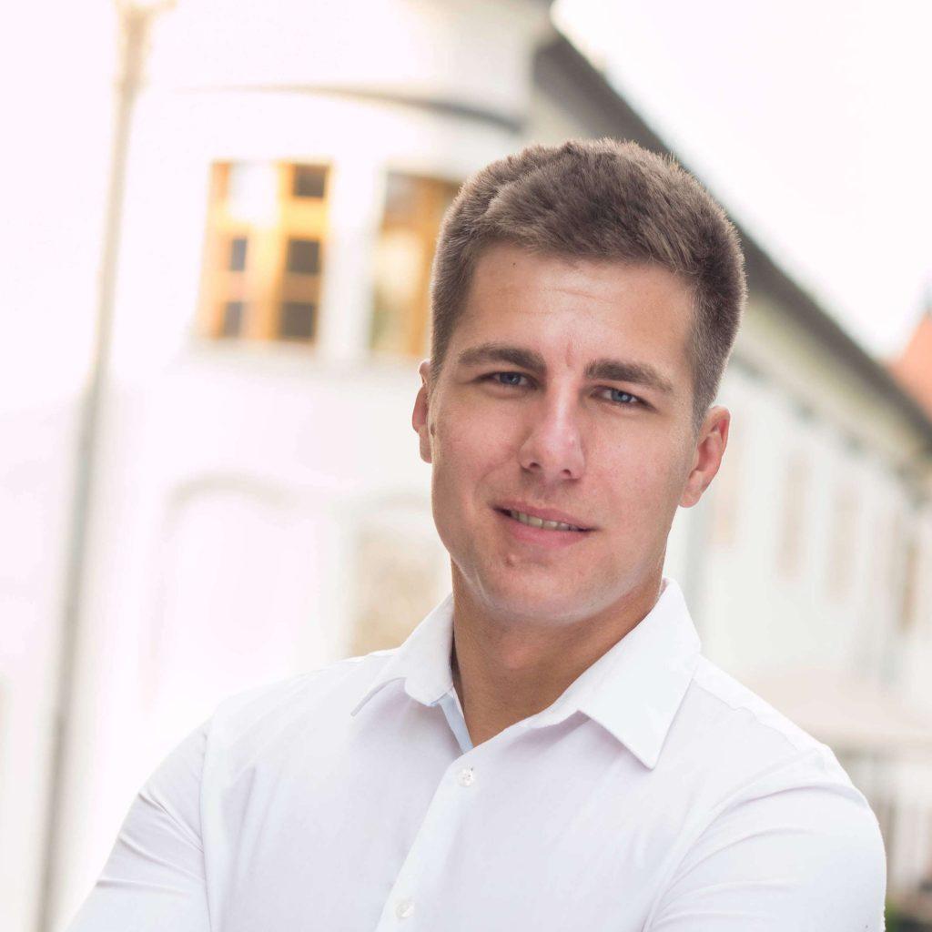 peter geletka moving service
